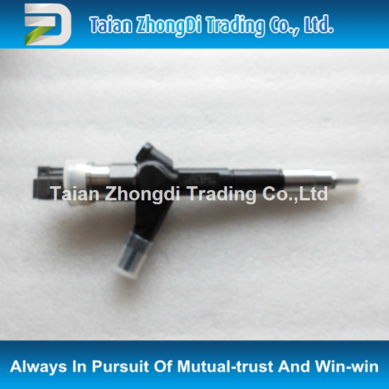 original and high quality common rail Injector 095000-0510 for X-Trail T30 2.2L 16600-8H800, 16600-8H801